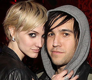 Ashlee Simpson Files for Divorce