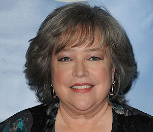 'Extra' Raw! Kathy Bates at The Grove