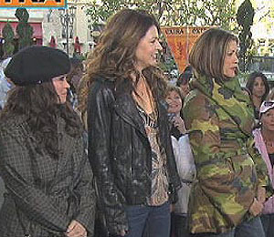 'Hot in Cleveland' Cast Takes Fan Questions at The Grove