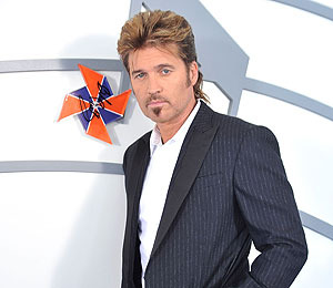Billy Ray Cyrus Wants His Family to 'Mend'