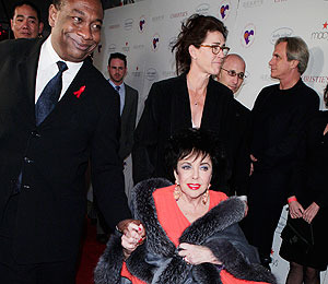 Elizabeth Taylor's Manager to Inherit Millions?