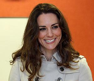 Extra Scoop: Is Kate Middleton Smoking Again?