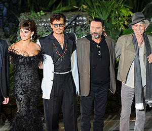 'POTC' Premiere: Johnny, Penelope and Keith