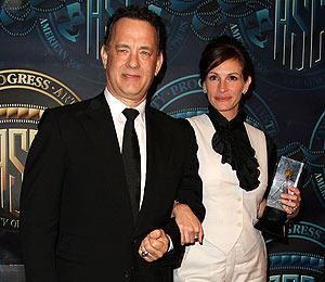 Tom Hanks and Julia Roberts on Screen Kissing: 'We Get All Giggly'