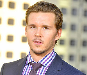 'True Blood' Countdown: Ryan Kwanten at The Grove!