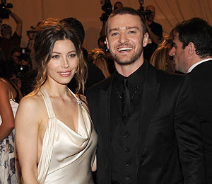 Extra Scoop: Justin Timberlake and Jessica Biel Back Together?