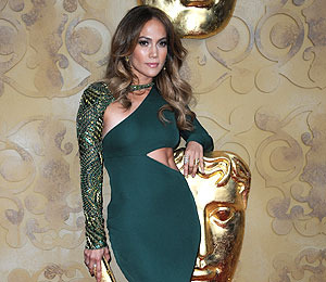 Extra Scoop: J.Lo 'Idol' Deal Almost Done