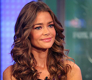 Extra Scoop: Denise Richards Turns Down Offer to Be on 'Two and a Half Men'