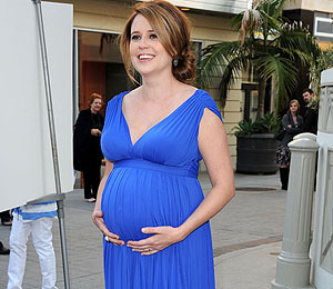 Extra Scoop: Jenna Fischer Welcomes a Son