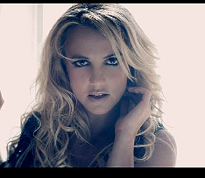 Extra Scoop: Britney Spears' Sexy 'Criminal' Video