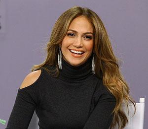 Extra Exclusive: J.Lo Teaches Maria Menounos the Booty Shake!