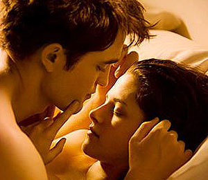 Extra Scoop: 'Breaking Dawn' to Reveal New Clip on MTV