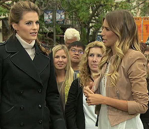 'Extra' Raw! With 'Castle' Star Stana Katic