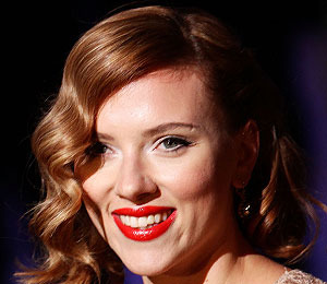 Extra Scoop: Scarlett Johansson: 'Marrying Ryan Reynolds Was the Best Thing I…