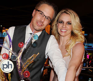 Pics! Britney and Jason Celebrate Engagement, Vegas Style