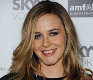 Alicia Silverstone Pregnant with First Child