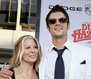 Johnny Knoxville's Divorce Finalized