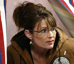 Palin Hunts Down Blogger, Threatens Lawsuit