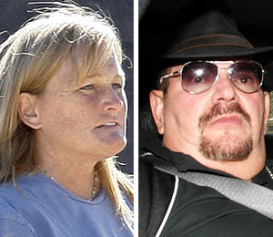Report: Debbie Rowe Double-Cross!