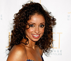 Mya Wins Night on 'DWTS'