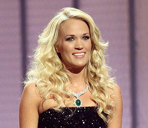 Carrie Underwood Wants 'Big Hair' for Wedding