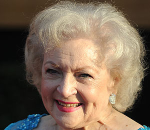 Betty White to Host 'SNL'!