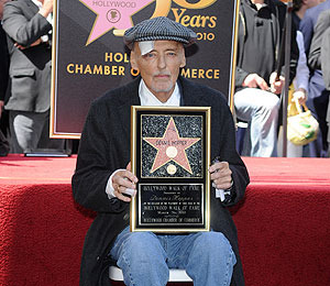 Ailing Dennis Hopper Gets Walk of Fame Star