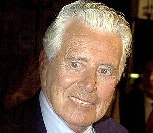 'Dynasty' Star John Forsythe Dies at 92