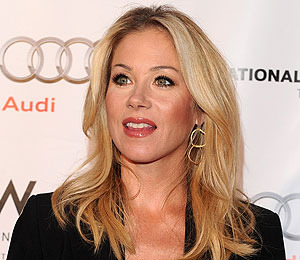 Christina Applegate to Marry