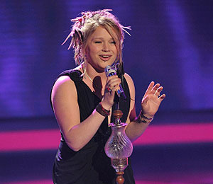 Crystal Bowersox Gives Emotional Performance on 'Idol'