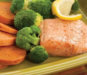 'Extra Lean's' Recipe for Honey-Roasted Salmon and Broccoli!