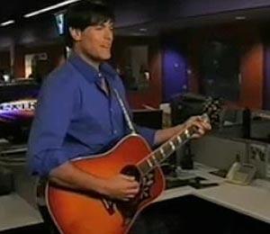 Video: Jaron Lowenstein, Live at 'Extra'!