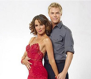 whos dating on dwts 2012