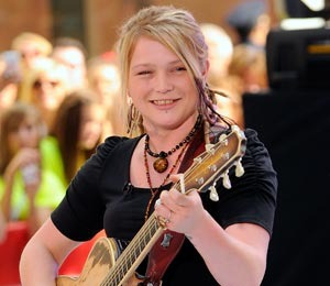 Crystal Bowersox is Engaged