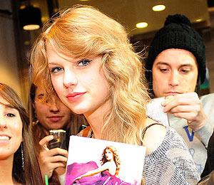 Extra Scoop Taylor Swift S Album Is Biggest Opener In 5