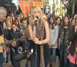 'Extra' Raw! Natasha Bedingfield Performs at The Grove