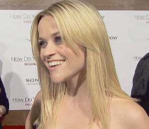 'Extra' Raw! At the 'How Do You Know' Premiere