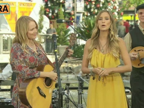 Video! Jewel Performs 'The Merry Goes 'Round'