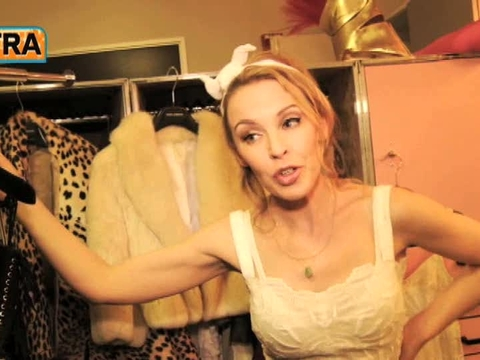'Extra' Raw! Backstage with Kylie Minogue at the Hollywood B