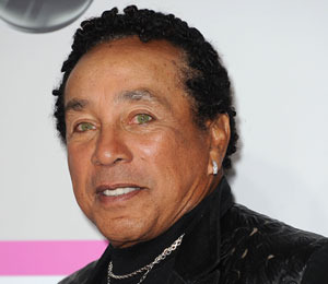 'Extra' Exclusive! Smokey Robinson 'Devastated' over Houston's Death