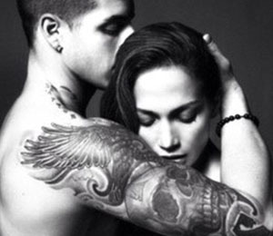 Extra Scoop: J.Lo Tweets Sensual Pic with Boyfriend