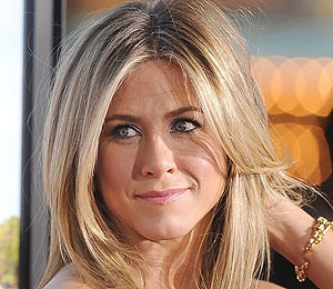 Jennifer Aniston on 'Wanderlust' Relationships and Her Secret Food Obsession