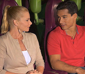 'Extra' Raw! Jaime Pressly and Mario in Orlando