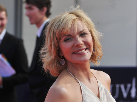 Extra Scoop: Who is Kim Cattrall Dating?
