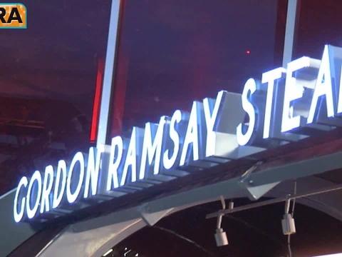 'Extra' Raw! Gordon Ramsay in Las Vegas