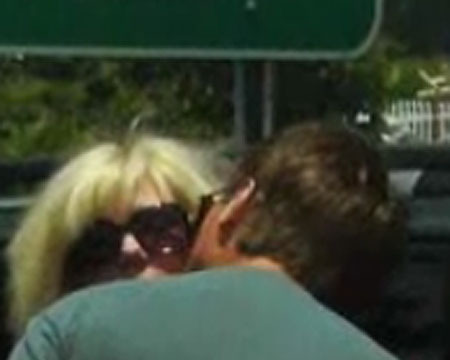 Video! John Edwards and Rielle Hunter Spotted Together