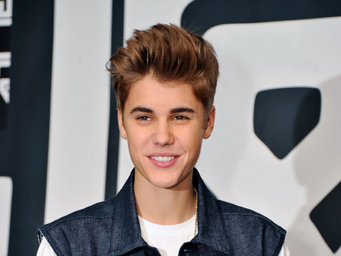 Justin Bieber Goes Global in 'All Around the World'