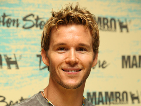 Ryan Kwanten Does the MAMBO in Wisconsin