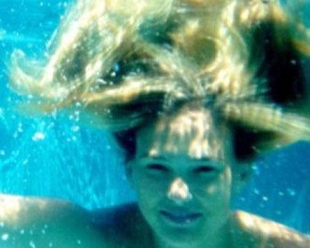 Sexy Bar Rafaeli Snaps Underwater Bikini Shots