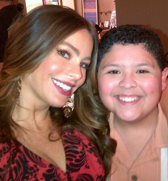 Pic! Sofia Vergara Happy to Be Back on 'Modern Family' Set
